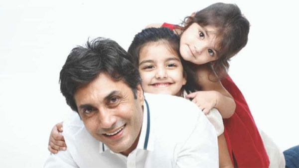 Adnan Siddiqui with his daughters