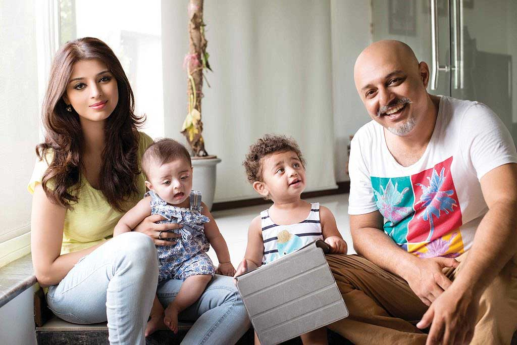 Ali Azmat with his wife & daughters