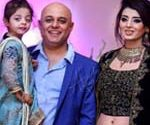 Ali Azmat's rare pictures with his wife and daughter