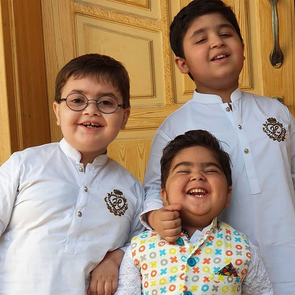 Cute Ahmed Shah with his brothers
